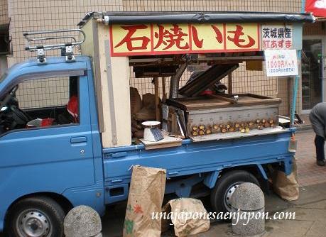 ishiyaki imo batatas asadas sobre piedras calientes japon