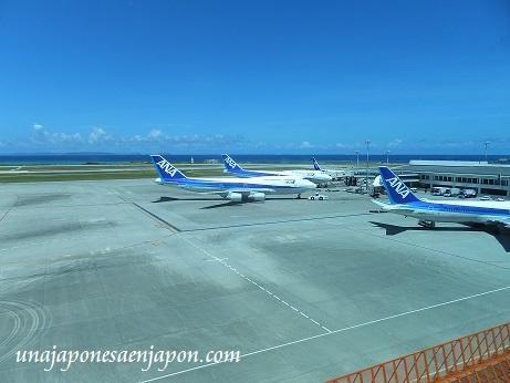 aeropuerto de naha okinawa japon 13