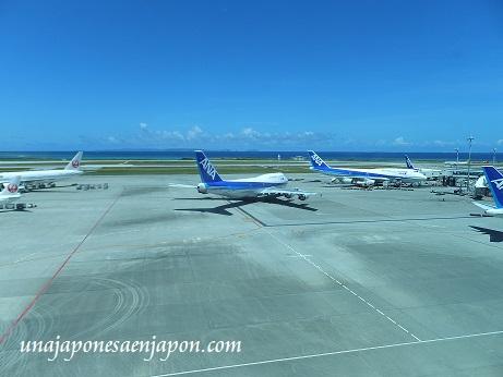 aeropuerto de naha okinawa japon 14