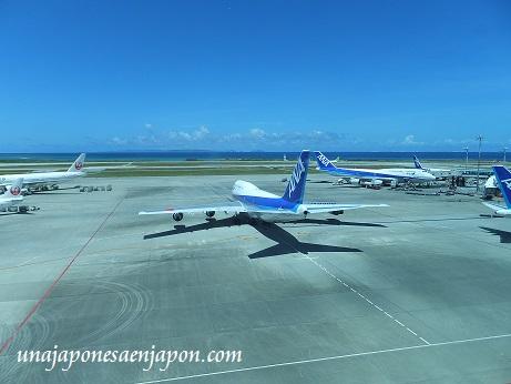 aeropuerto de naha okinawa japon 15
