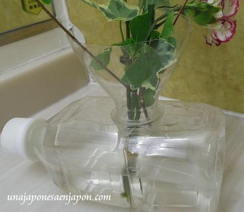 florero botella plastico reciclaje okinawa japon 2