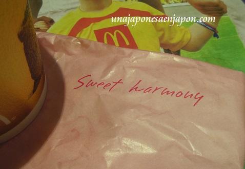 hamburguesa mcdonalds sakura teritama primavera rosa japon 8