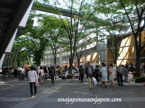 mercadillo-de-antiguedades-tokyo-forum-yurakucho-tokyo-japon.