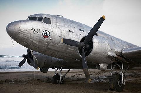 dakota pelicula avion militar britanico isla sado segunda guerra mundial japon 2