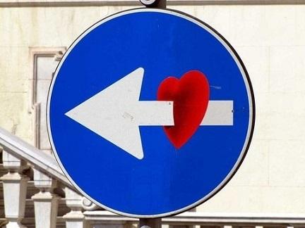 señales de tránsito modificadas