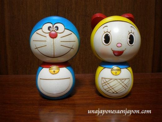 kokeshi-muñecas-modernas-japon