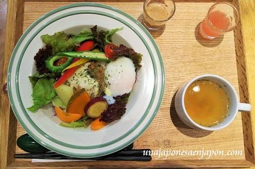 almuerzo-okinawa-japon-