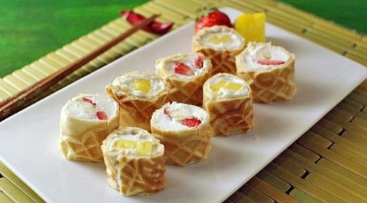 sushi-de-gofre-y-frutas