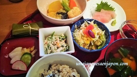 dia-del-mochi-okinawa-muuchii-japon