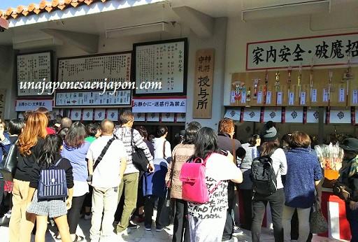 hatsumode-primera-visita-a-un-templo-okinawa-japon
