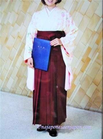 pantalon falda vestimenta graduacion universidad japon 1