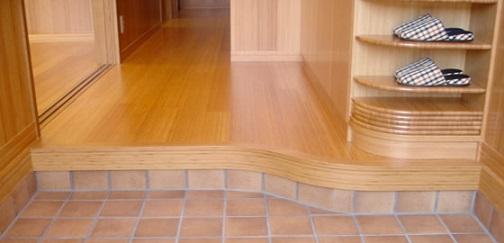 Quitarse los zapatos en la entrada de una casa japonesa y for Gabinete de zapatos para la entrada